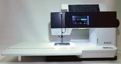 PFAFF - quilt ambition 630 mit großem Anschiebetisch & inkl. gratis PFAFF-Box