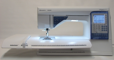 Husqvarna VIKING Sapphire 930 mit großem Anschiebetisch